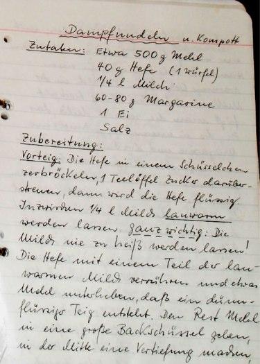 Tolisano's Cookbook » Dampfnudeln